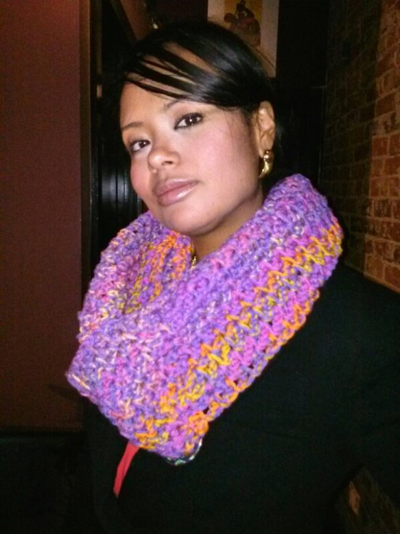 Stacy Epps in a chunky 360 scarf